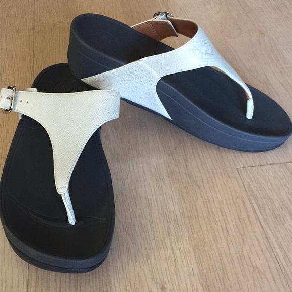 12791337e7c5e Fitflop the skinny deluxe silver sandal